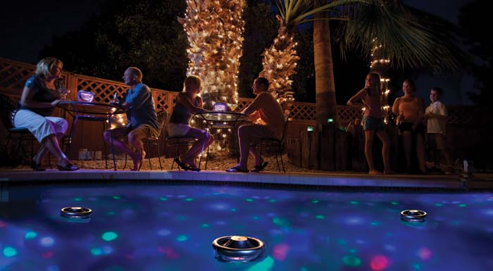 3561-gals-A-pool-scene-hr