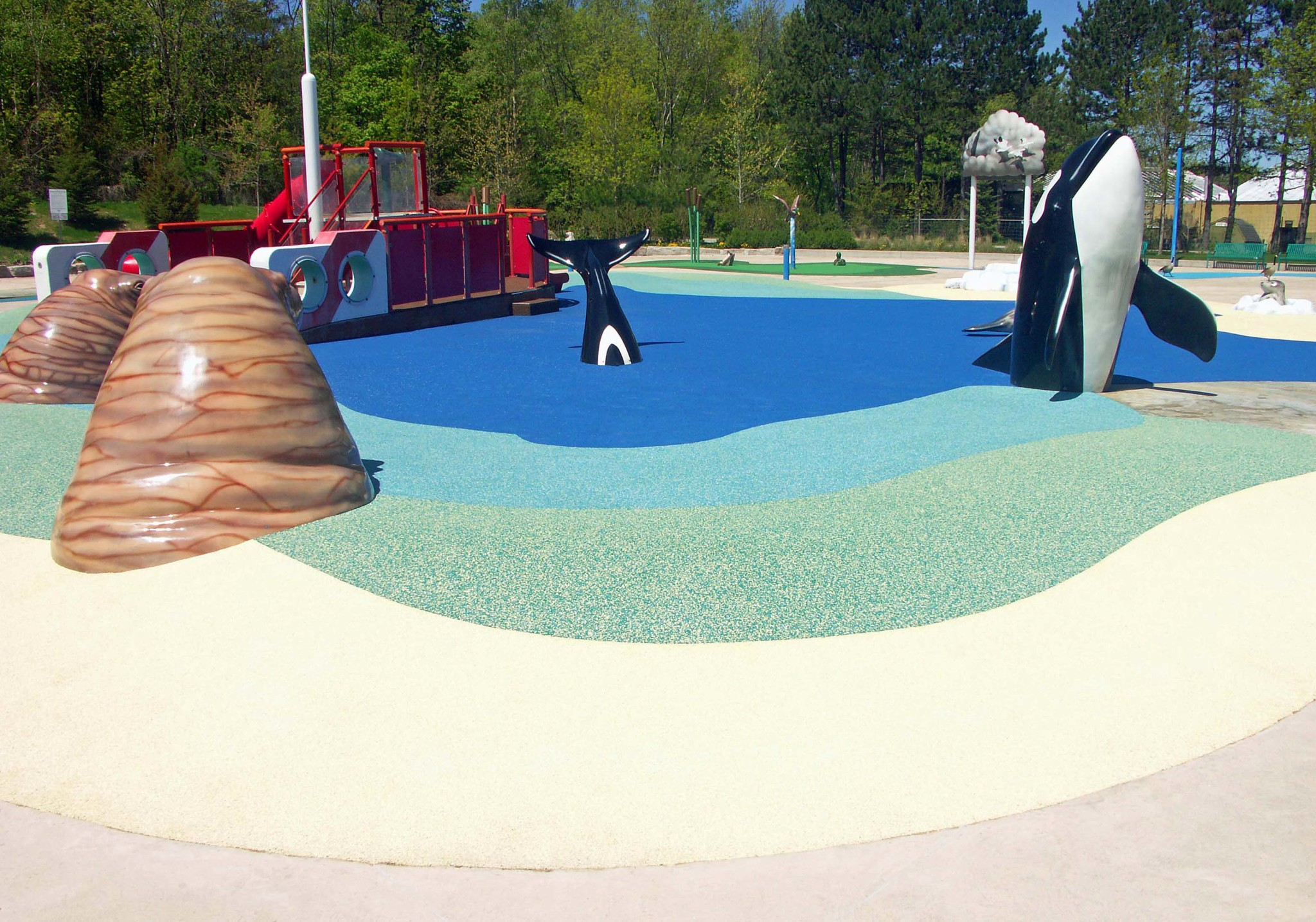 Preventing slips falls and injuries with rubberized for Construction piscine caoutchouc