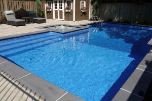Mancini-Fox-Pools-Ontario-large-sitting-steps