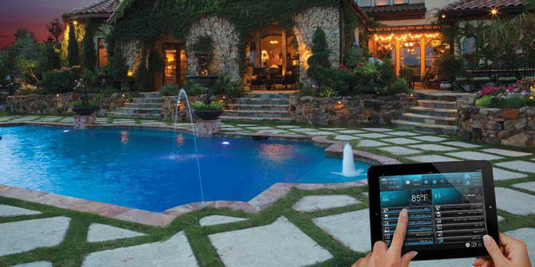 Venetian-with-sky-and-iPad-