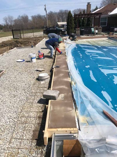 It takes a lot less time to put in a fibreglass pool than a traditional beach-entry pool, which is one of the reasons professionals include fibreglass as part of their pool construction offering.