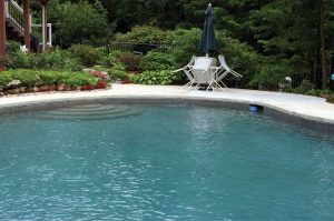 When pools are not equipped with skimmers, keeping the water clear will be quite difficult